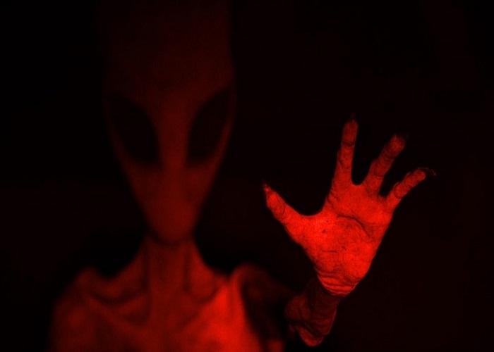 A strange 3 fingered alien found in Nazca Peru